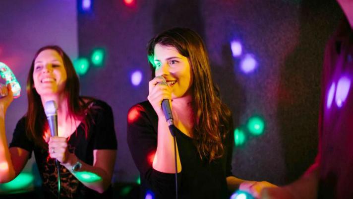 max-karaoke-studio-singer